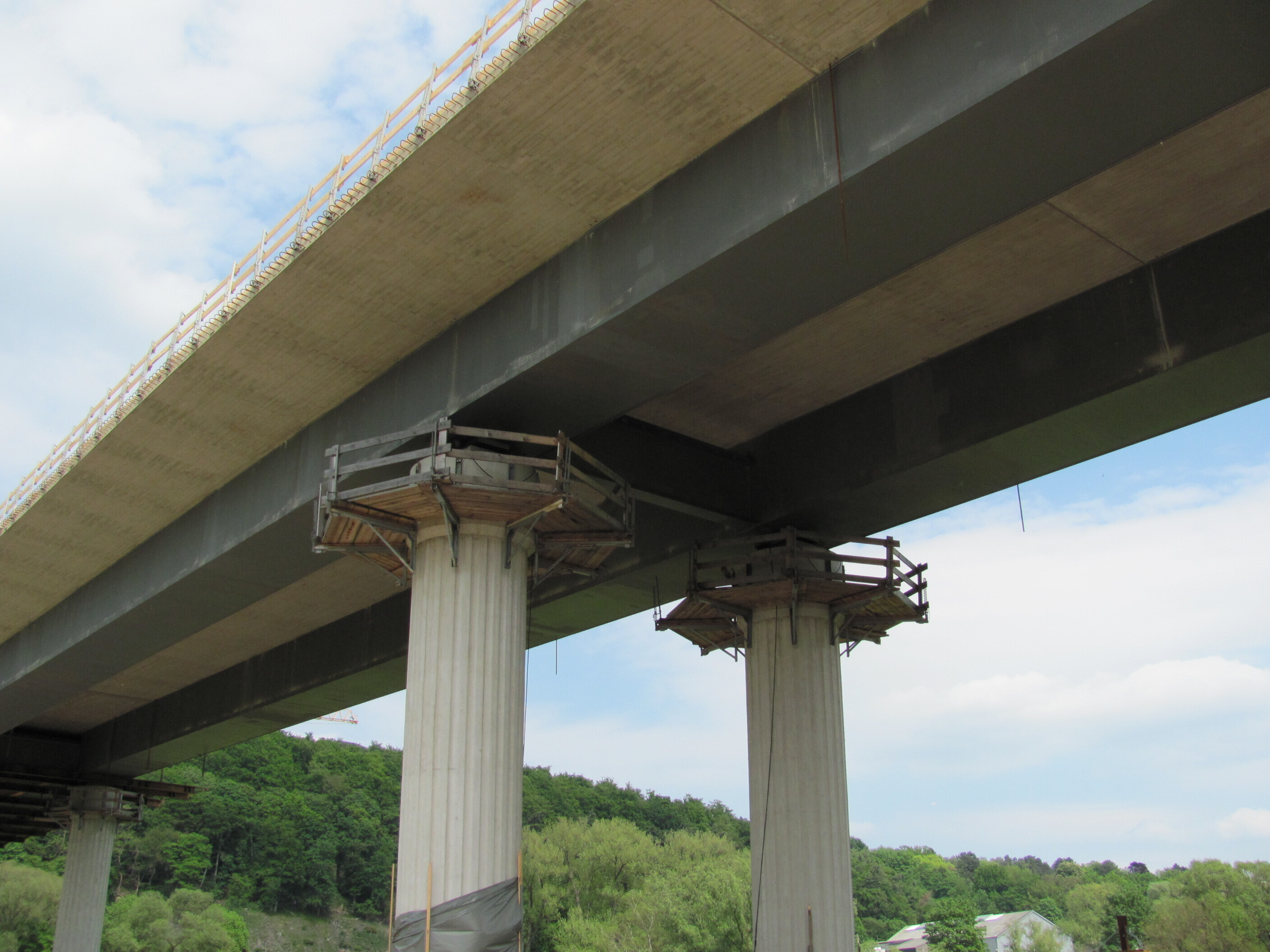 Composite construction bridge